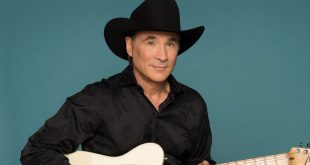 Clint Black at Ryman Auditorium, Nashville, TN, 9/12/21