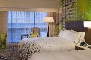 Nashville Hotels & Places to Stay ->Renaissance Nashville Hotel, downtown Nashville, TN