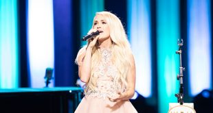 Grand Ole Opry Goes Pink! Carrie Underwood