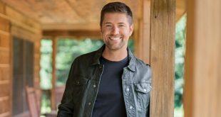 Josh Turner at Ryman Auditorium, Nashville, Tennessee, 10/9/19. Buy Tickets from Nashville.com