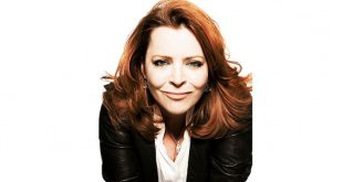 Kathleen Madigan at Ryman Auditorium, Nashville, Tennessee 11/19/20
