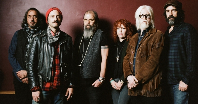 Steve Earle and The Dukes at Ryman Auditorium, Nashville 8/30/21. With Los Lobos