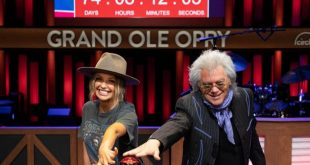 Opry members Carly Pearce and Marty Stuart start the official countdown clock to the Opry's 5,000th Saturday night broadcast. Photo by Chris Hollo